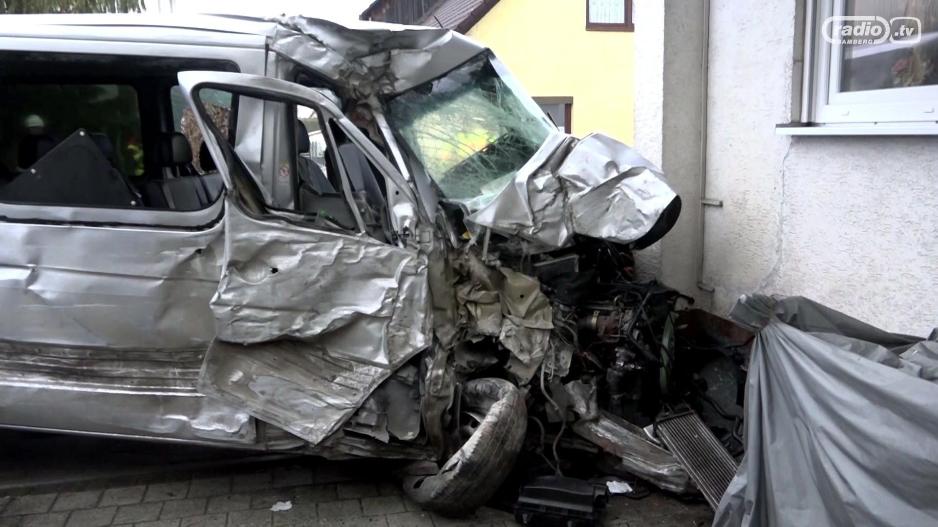 Oesdorf: Kleintransporter kracht in Haus | Radio Bamberg
